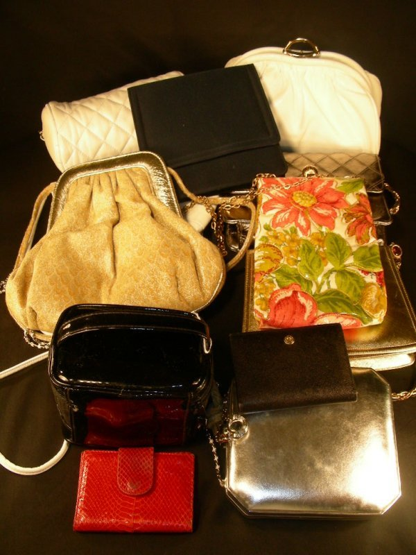 15: VINTAGE SMALL HAND BAGS PURSES CLUTCHES ETC 12 PCS