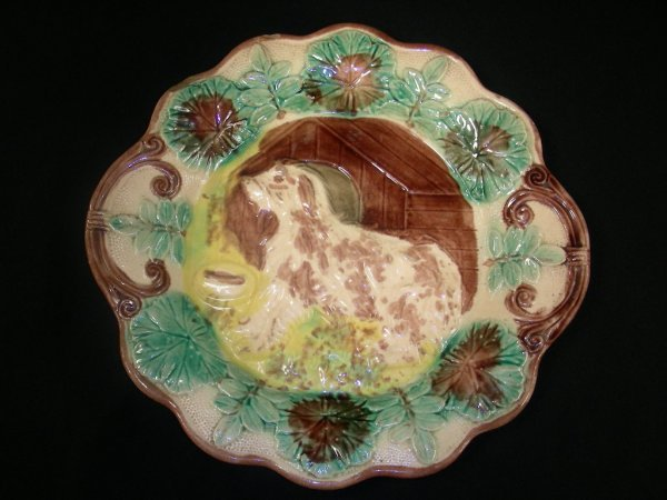 307: ANTIQUE MAJOLICA PLATE WITH DOG & DOG HOUSE