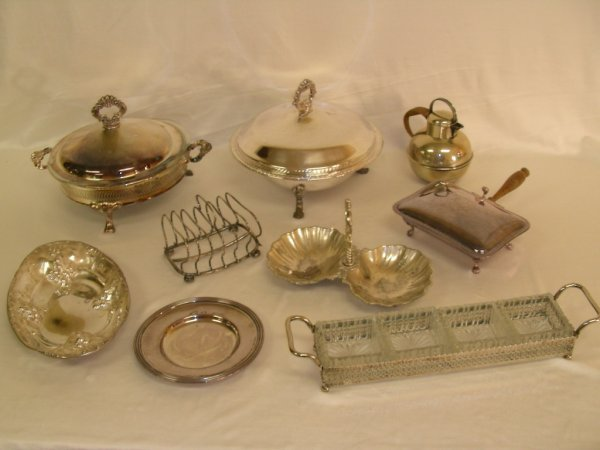 623: LG GROUP SILVER PLATE ASST SERVING PIECES