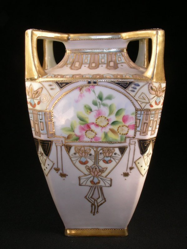 409: HAND PAINTED NIPPON VASE  WITH GILT MORIAGE