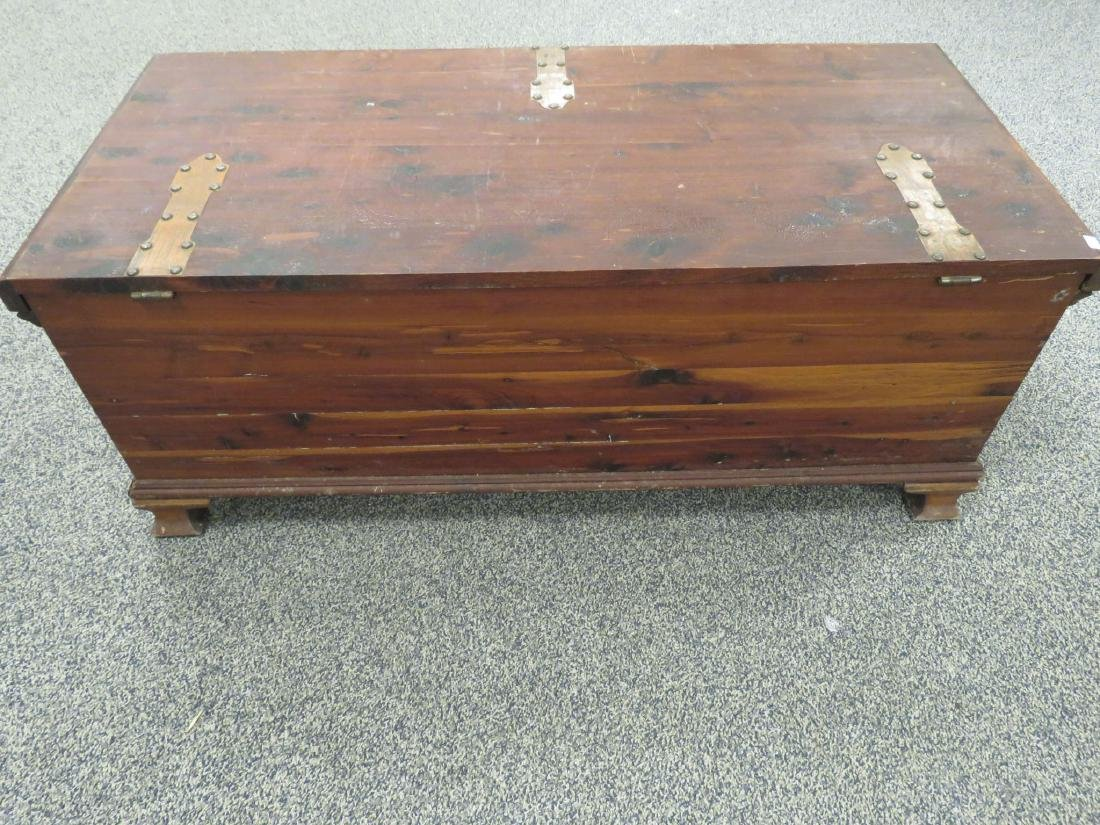 VINTAGE CEDAR CHEST WITH COPPER HINGES - 3