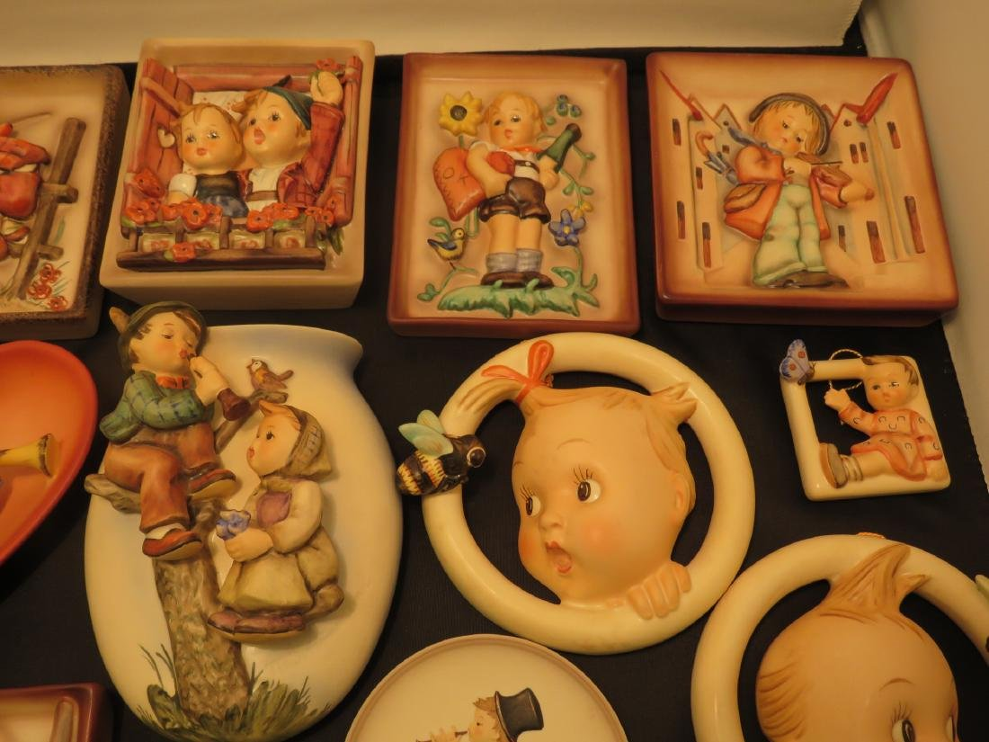 SIXTEEN ASSORTED GOEBEL HUMMEL WALL PLAQUES/POCKET - 10