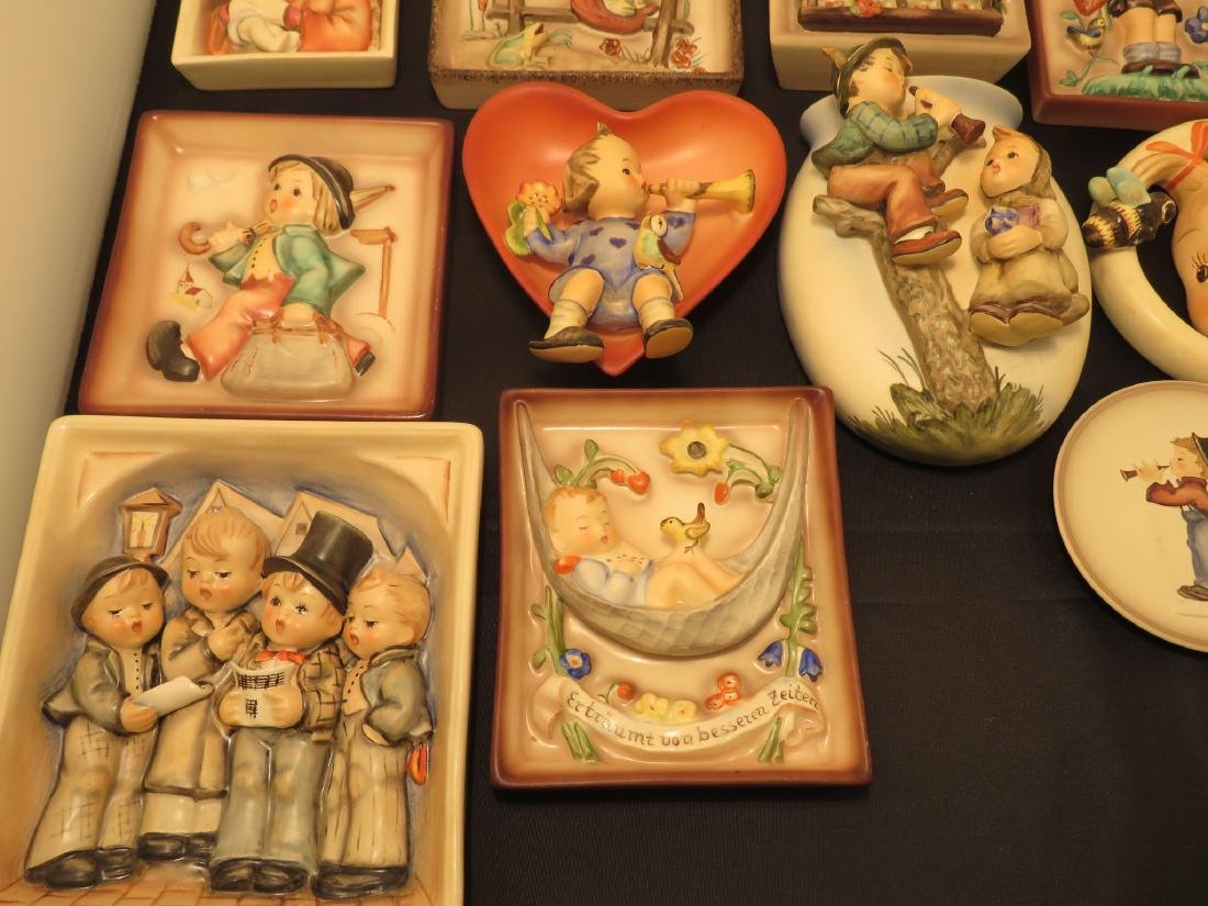 SIXTEEN ASSORTED GOEBEL HUMMEL WALL PLAQUES/POCKET - 3