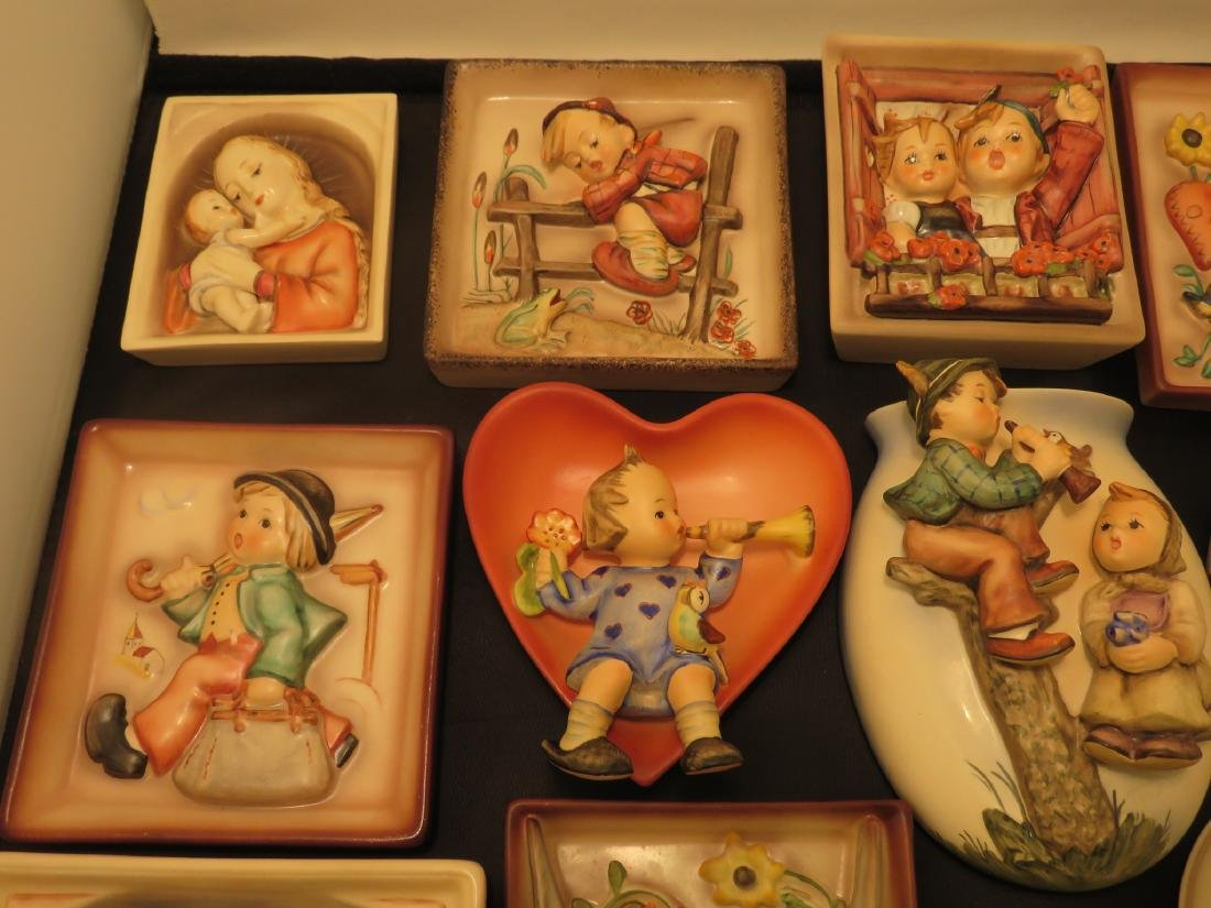 SIXTEEN ASSORTED GOEBEL HUMMEL WALL PLAQUES/POCKET - 9