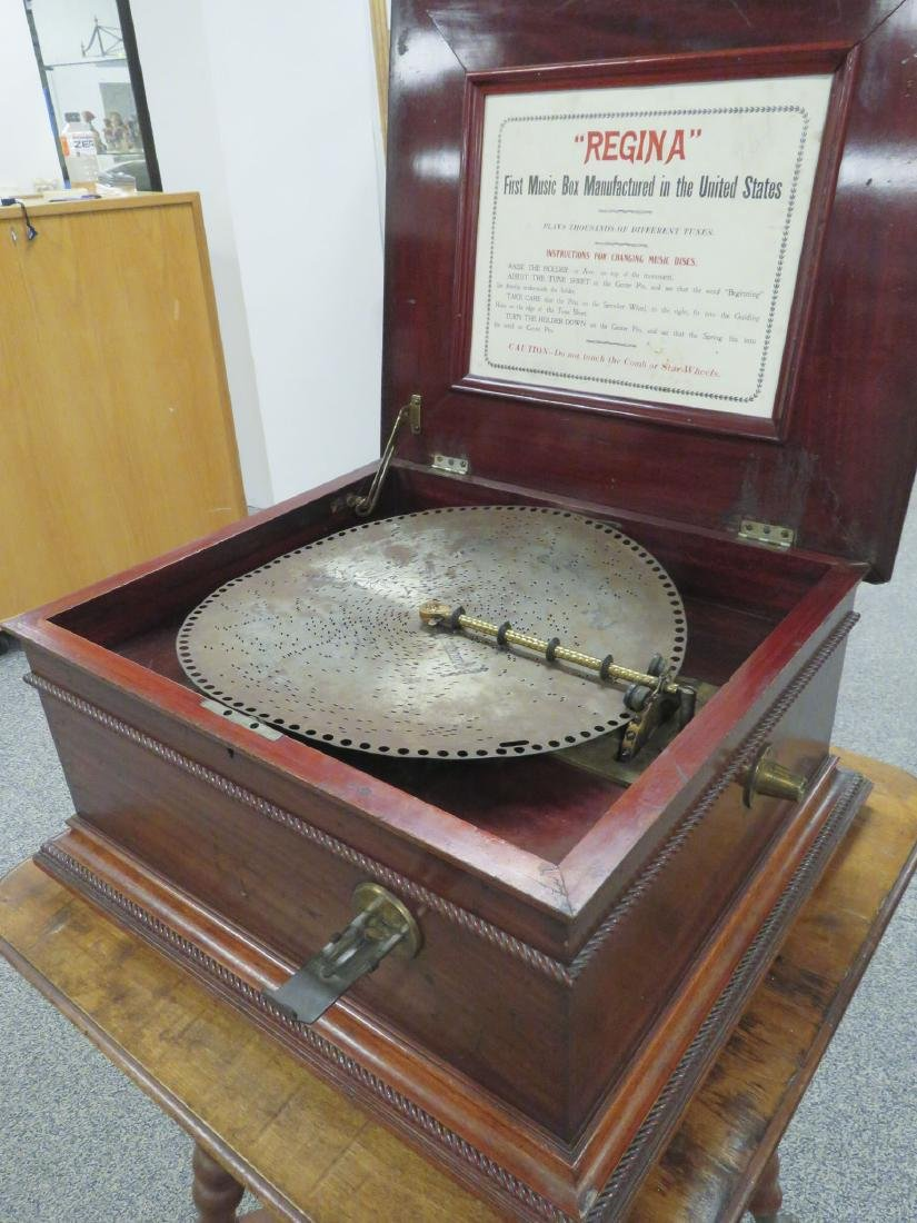 "ANTIQUE REGINA 15.5"" DISC COIN OPERATED MUSIC BOX - 5"