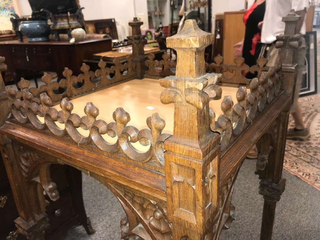 CARVED GOTHIC REVIVAL RELIQUARY STAND - 2