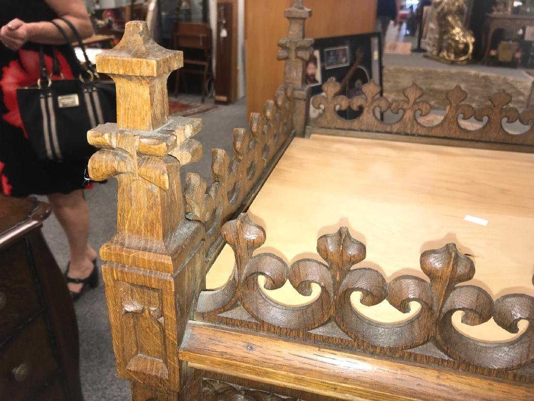 CARVED GOTHIC REVIVAL RELIQUARY STAND - 3