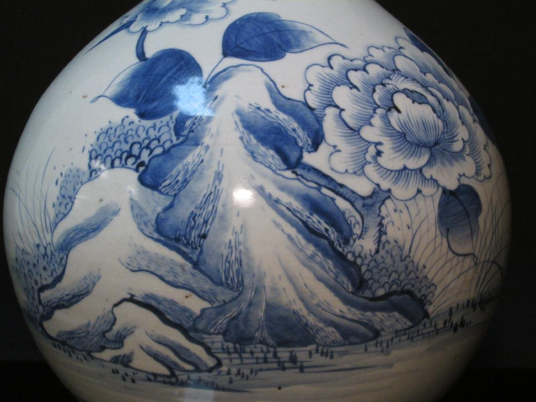 EARLY CHINESE TRANSITIONAL PERIOD TIANQIUPING VASE - 4