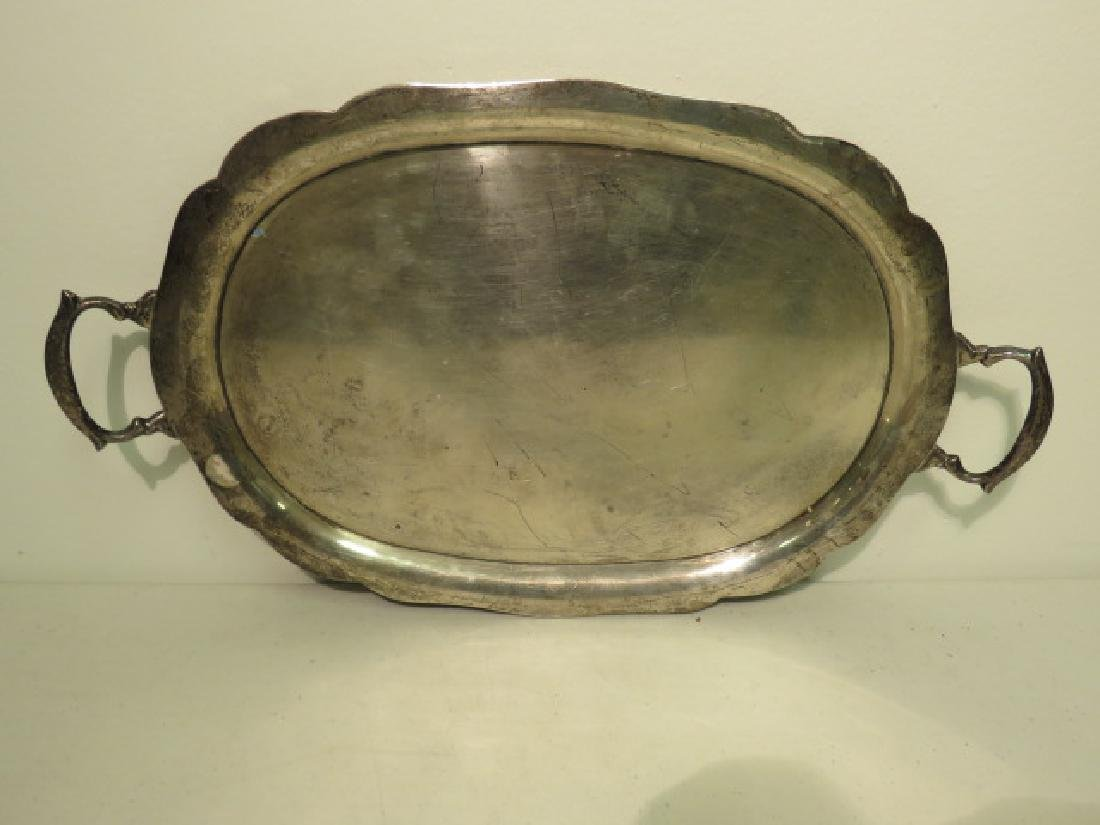 CONTINENTAL SILVER SCALLOPED & HANDLED TRAY 30.4T