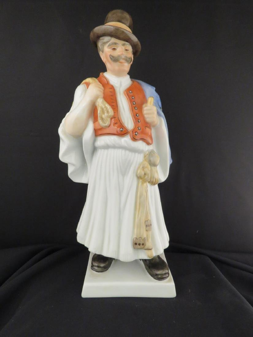 HEREND PORCELAIN FIGURINE OF A PEASANT
