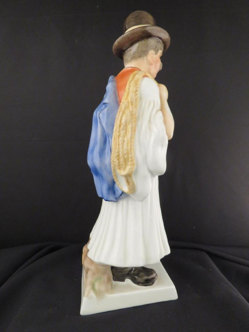 HEREND PORCELAIN FIGURINE OF A PEASANT - 4
