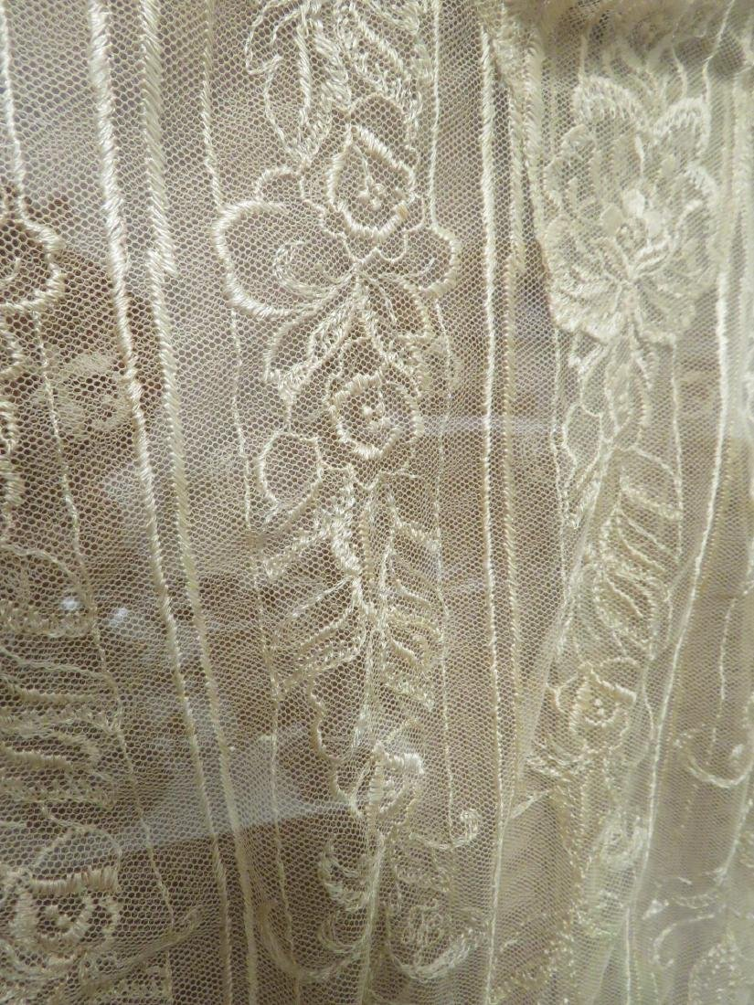 VINTAGE LACE DRESS / NIGHTGOWN MOUNTED IN FRAME - 4