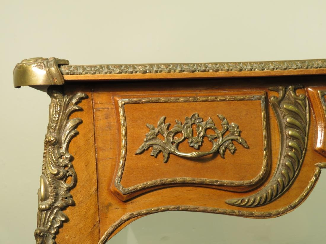 FRENCH LOUIS XV STYLE LEATHER TOP DESK - 5