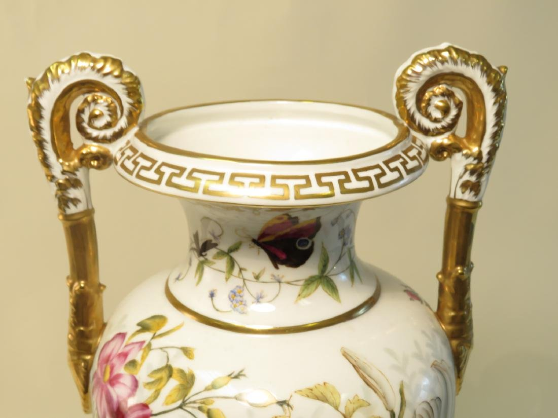 CHELSEA HOUSE PAINTED PORCELAIN URN - 2
