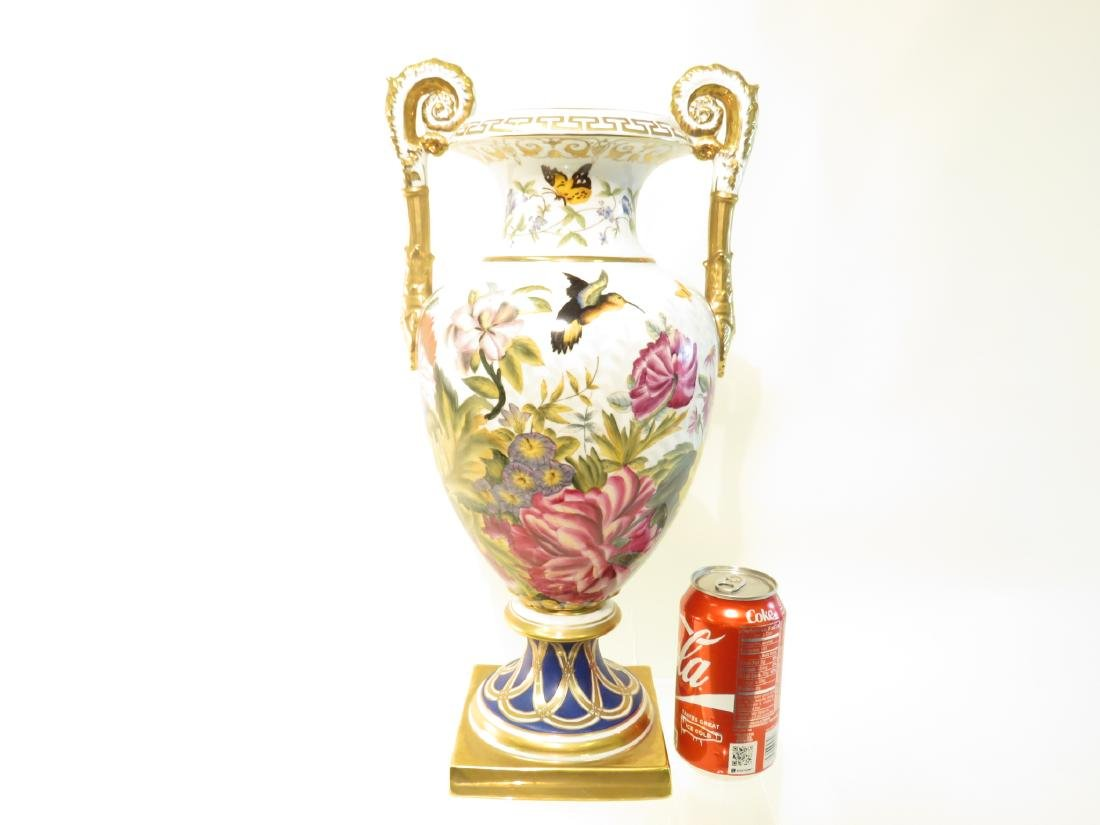 CHELSEA HOUSE PAINTED PORCELAIN URN - 5