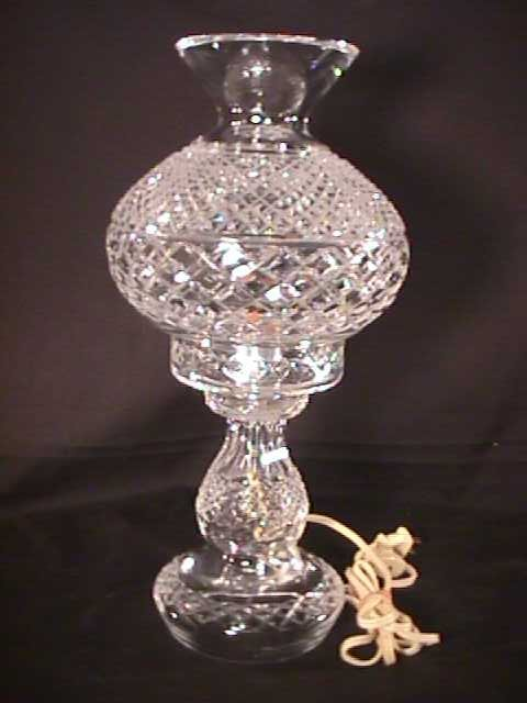 402: WATERFORD CUT CRYSTAL BOUDOIR LAMP