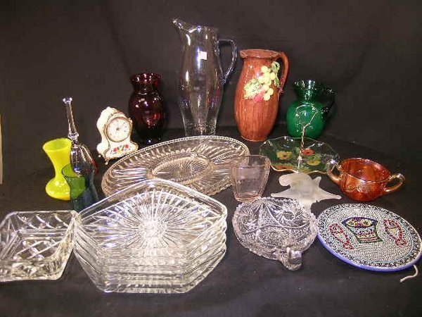 405: LARGE GROUP GLASS BOWLS ASH TRAYS VASES ETC
