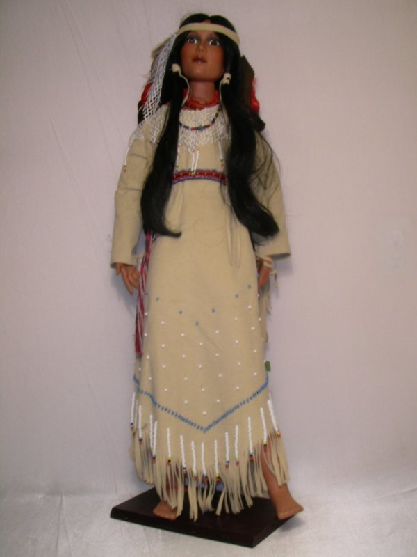 8: BISQUE & COMPOSITION INDIAN DOLL PAPOOSE WOMEN