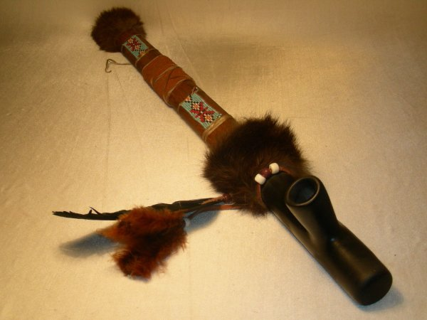 10: NATIVE INDIAN BEADED WOOD BLACK CLAY PEACE PIPE