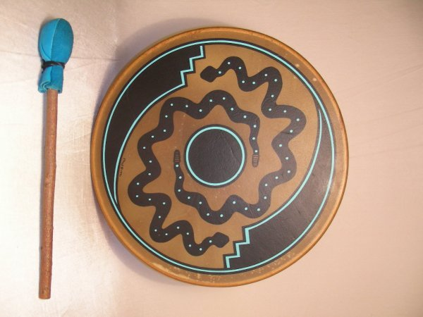 11: HAND MADE NATIVE AMERICAN INDIAN HAND DRUM SIGNED