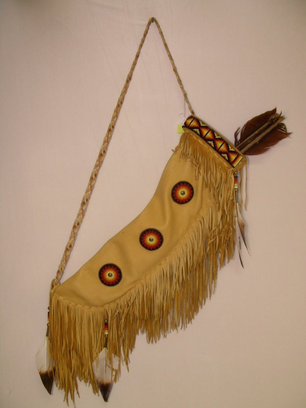 18: AMERICAN INDIAN BEADED LATHER QUIVER WITH ARROWS