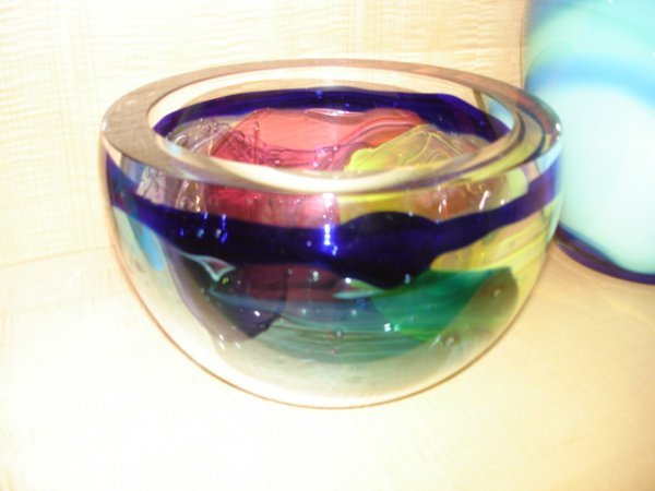 22: LEON APPLEBAUM ART GLASS BOWL