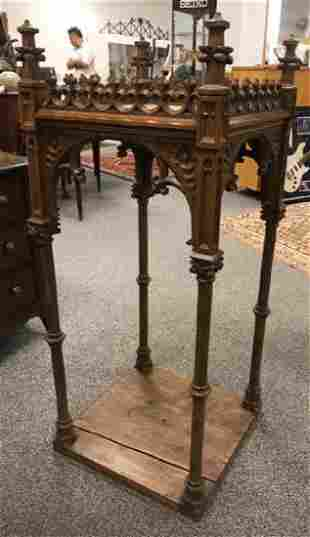 CARVED GOTHIC REVIVAL RELIQUARY STAND
