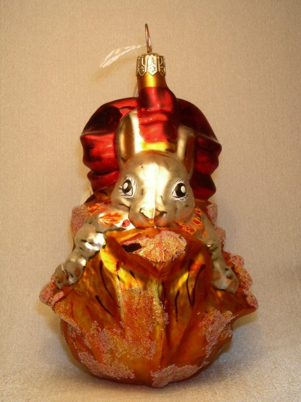 496: CHRISTOPHER RADKO ORNAMENT BUNNY IN OAK LEAF