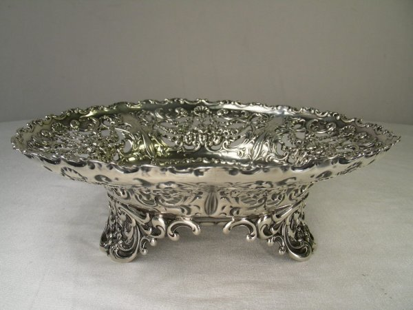 1250: AMERICAN STERLING SILVER CUT CHASED FANCY BOWL