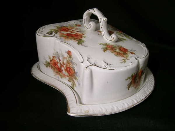 800: ANTIQUE PORCELAIN GRIMWADES COVERED CHEESE KEEPER