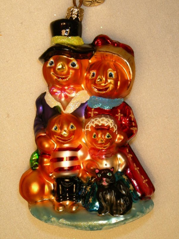 25: CHRISTOPHER RADKO HALLOWEEN PUMPKIN FAMILY ORNAMENT