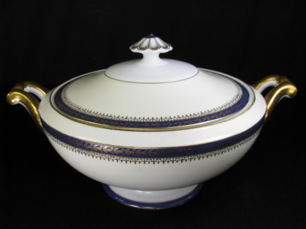 261: MEITO CHINA HAND PAINTED COVERED SERVING BOWL