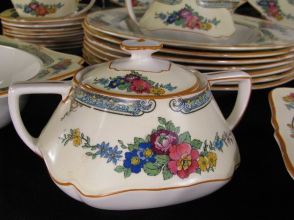 23: CROWN DUCAL WARE CHINA REGD # 72944 49 PIECES - 2