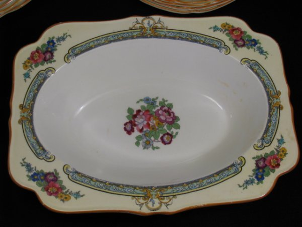 23: CROWN DUCAL WARE CHINA REGD # 72944 49 PIECES - 3