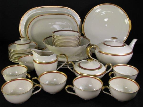 713: HEINRICH & COMPANY SELB BAVARIA DINNER SET 42 PCS