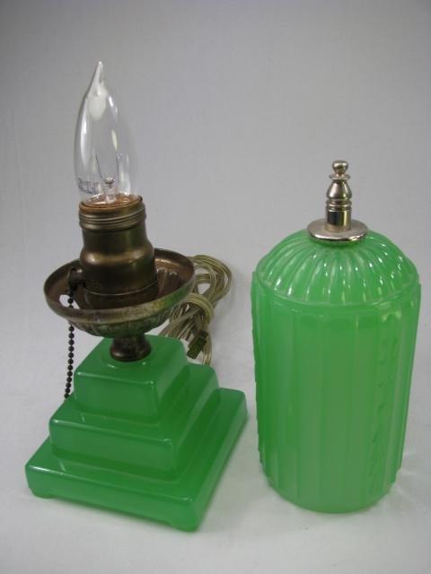 929: ART DECO JADE GREEN GLASS LAMP - 3
