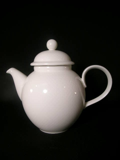 3: VILLEROY & BOCH LUXEMBOURG TEA POT
