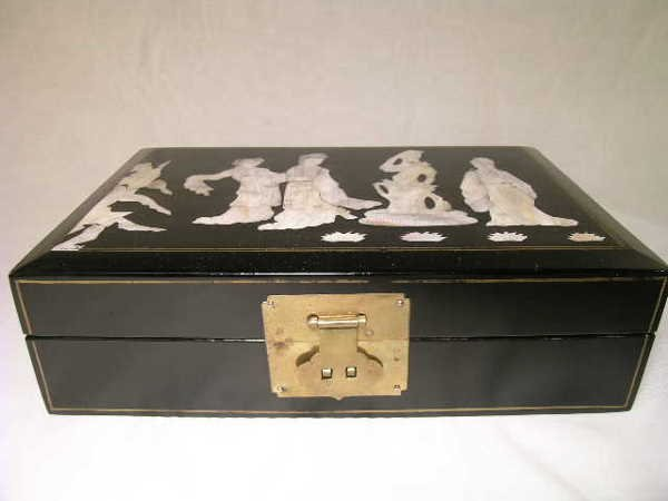 10: ASIAN BLACK LACQUER MOTHER OF PEARL JEWEL BOX