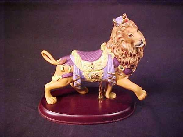 16: LENOX PORCELAIN CAROUSEL LION