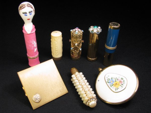 17: EIGHT VINTAGE COLLECTIBLE FANCY LIPSTICK CASES