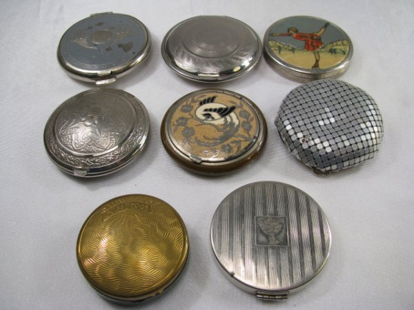 21: EIGHT VINTAGE COLLECTIBLE FANCY COMPACTS