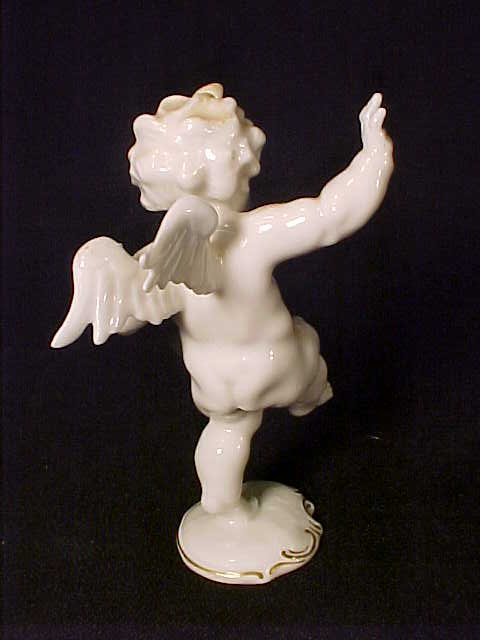 478 l hutschenreuther cherub figurine lot 478. Black Bedroom Furniture Sets. Home Design Ideas