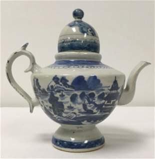 CHINESE QING DYNASTY CANTON BLUE & WHITE TEAPOT