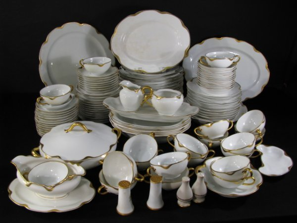 200: HAVILAND LIMOGES WHITE & GOLD GILT CHINA 98 PCS