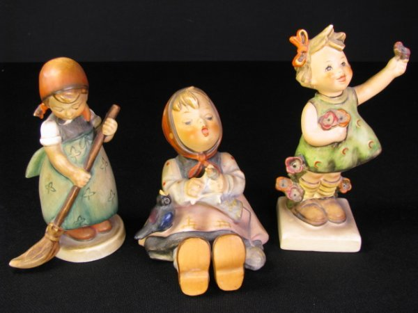 208: THREE HUMMEL PORCELAIN FIGURINES