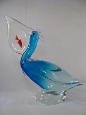 241: LG ART GLASS BLUE PELICAN W/ ORANGE FISH IN MOUTH