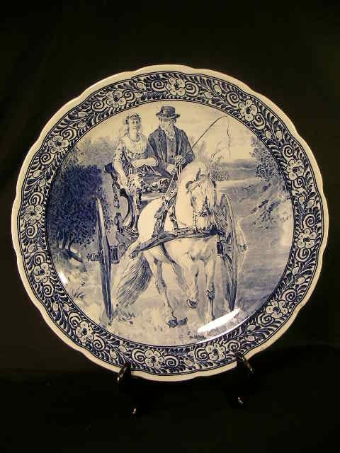 512: DELFT ROYAL SPHINX MAASTRICHT BLUE WHITE CHARGER