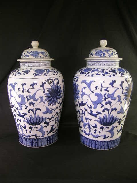 527: PAIR LARGE CHINESE EXPORT STYLE GINGER JARS