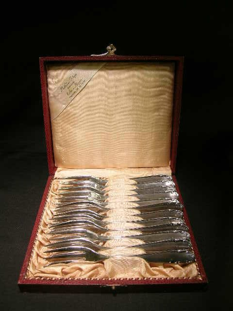 531: DESSERT PASTRY FORKS 12 PCS BOXED WIRTHS INOXISIL