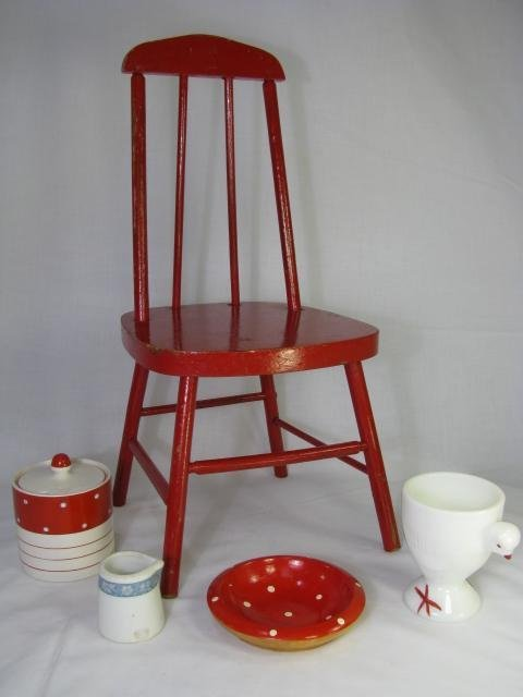 3: MINIATURE RED CHAIR & RED AND WHITE DISHES